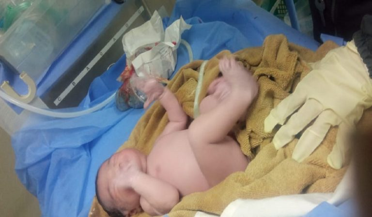 Policías de Naguanagua traen al mundo a bebé - Policías de Naguanagua traen al mundo a bebé
