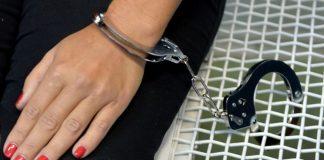 Mujer quedó detenida por prestar sus cuentas