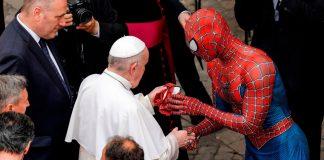 Spiderman visitó Vaticano saludó al papa Francisco - Spiderman visitó Vaticano saludó al papa Francisco