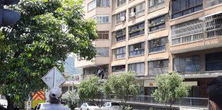 Mujer se lanzó del sexto piso de un edificio - Mujer se lanzó del sexto piso de un edificio