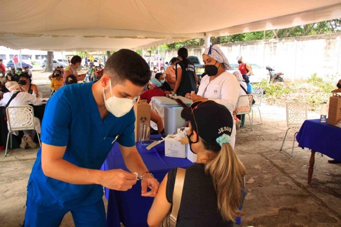 Vacunadas 1.330 personas en ambulatorio - Vacunadas 1.330 personas en ambulatorio