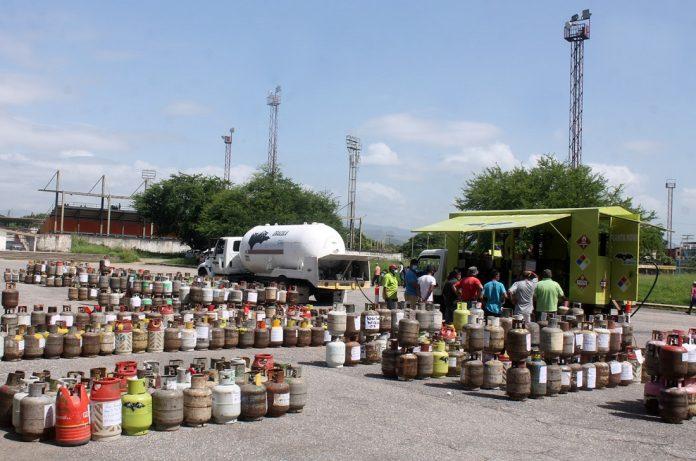 Beneficiadas 9 mil familias en 24 sectores de La Isabelica - Beneficiadas 9 mil familias en 24 sectores de La Isabelica