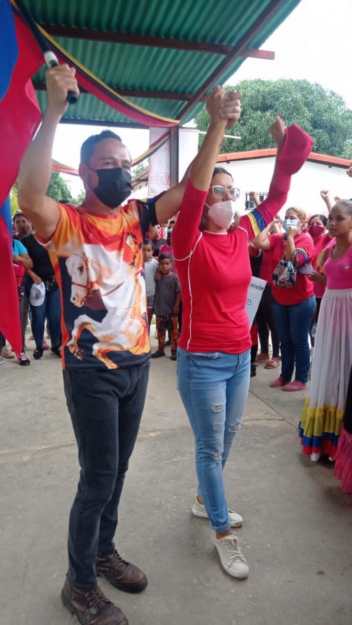 Precandidato Vielma Mora recorrió el municipio Libertador