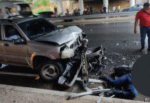 Motorizado falleció arrollado por una camioneta debajo del puente 5 de julio