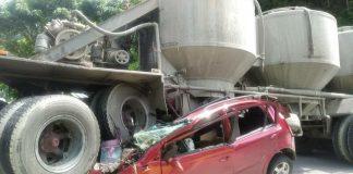 Gandola aplastó un vehículo en la ARC por Charallave - Gandola aplastó un vehículo en la ARC por Charallave