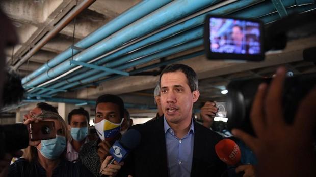 Guaidó denunció grupos armados