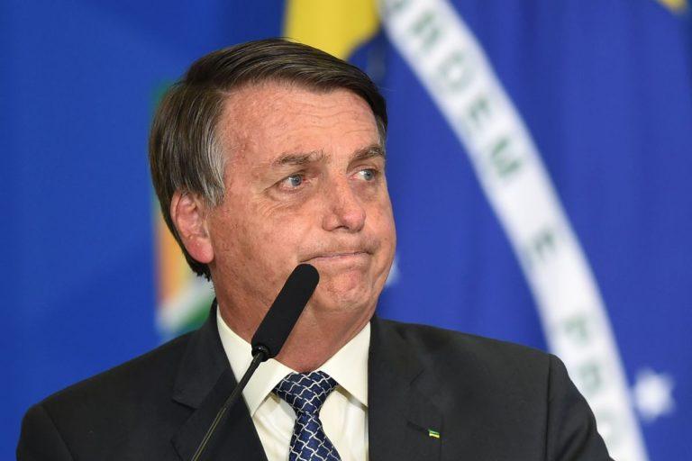 Hospitalizan de emergencia a Jair Bolsonaro en Brasilia