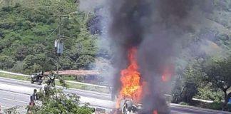 incendió camión en Caracas-La Guaira - incendió camión en Caracas-La Guaira