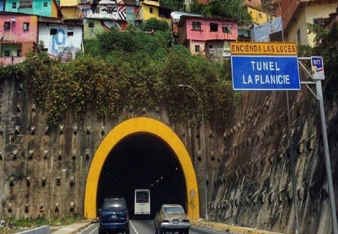 Alcantarilla en túnel Planicie de Catia - Alcantarilla en túnel Planicie de Catia