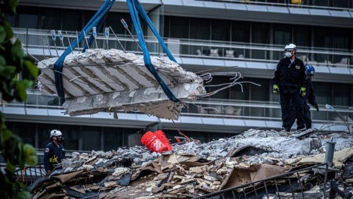 labores de rescate en edificio de Miami - labores de rescate en edificio de Miami