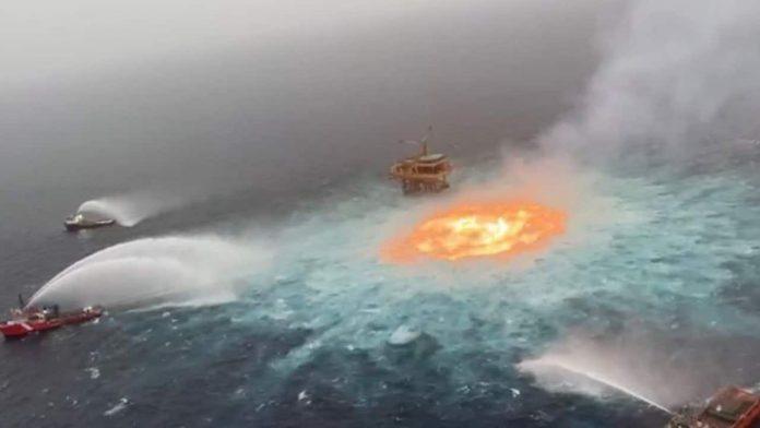 Explosión en un ducto marino de Pemex