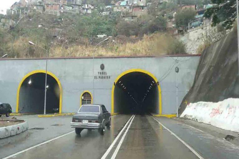 Rescataron a 112 personas del Túnel El Paraíso durante tiroteos de la Cota 905