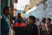 Ana González continúa recorriendo Naguanagua