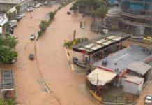 Calles de Vargas inundadas por las lluvias este sábado