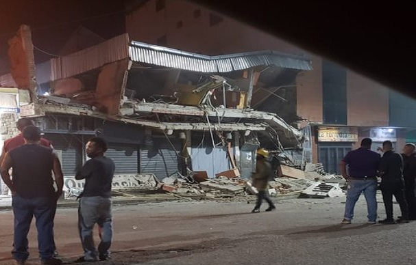 Se desplomó la estructura del CC La Alcabala