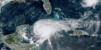 Huracán Grace entró a la península de Yucatán