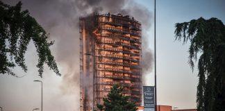 Incendio en rascacielos en Milán