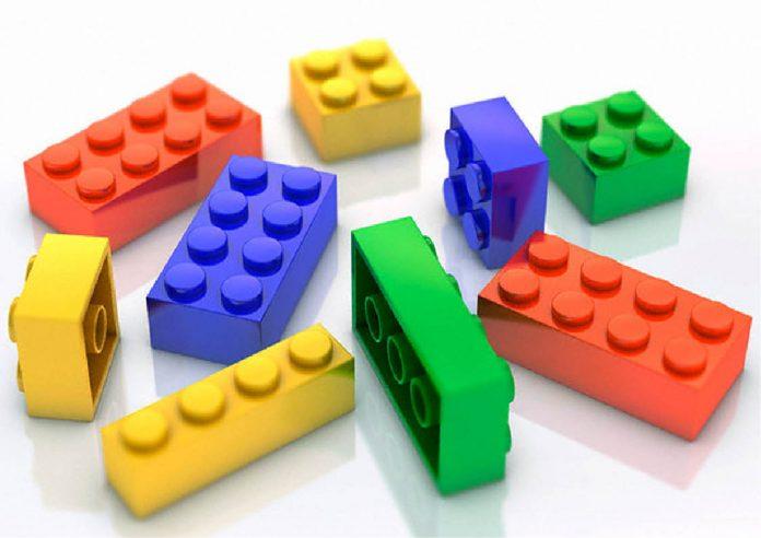 Con piezas de Lego un Toyota Supra - Con piezas de Lego un Toyota Supra- Con piezas de Lego un Toyota Supra - Con piezas de Lego un Toyota Supra