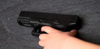 Niño mata de un disparo a su mamá