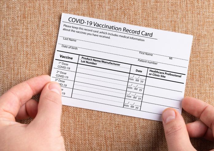 Certificado de vacunación no debe ser condición