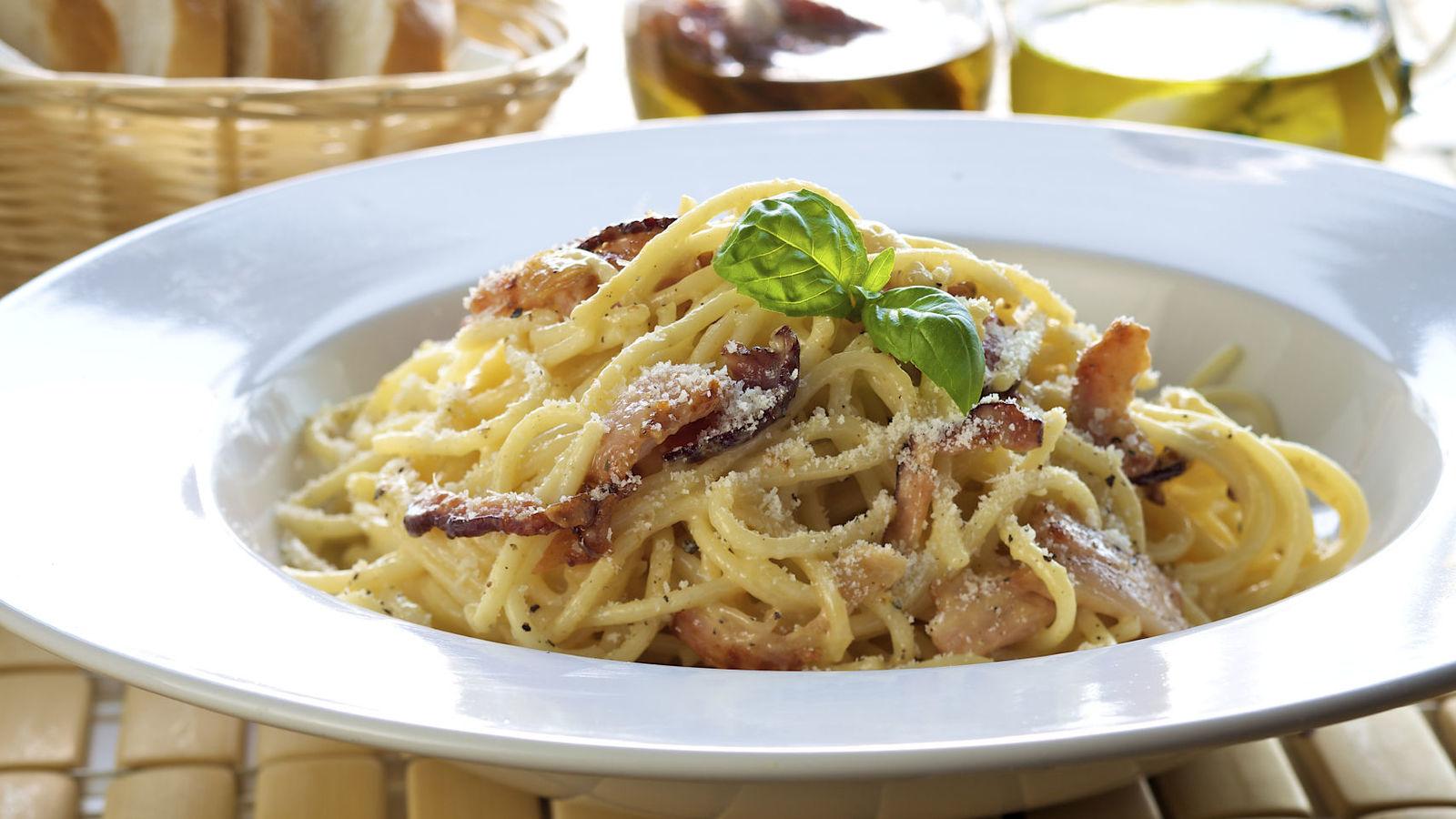 espaguetis a la carbonara sin nata - espaguetis a la carbonara sin nata