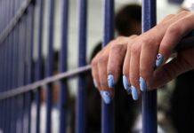 Detenidas dos mujeres por prestar sus cuentas
