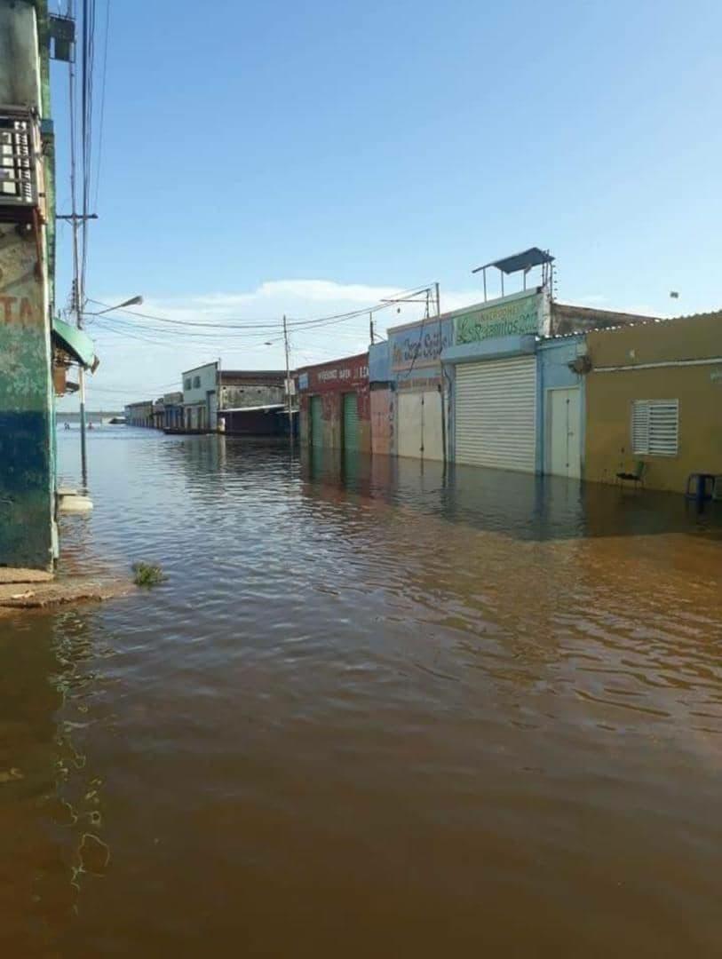 Río Orinoco se desbordó - Río Orinoco se desbordó