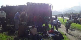 Camión del ejército se volcó en la ARV y dejó 10 lesionados