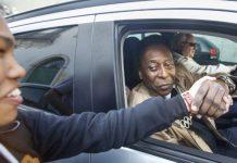 Extirpación de un tumor Pelé salió del hospital tras estarinternado durante un mes
