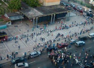 Personas exigieron en Caracas que se les aplique segunda dosis de la vacuna Sputnik V