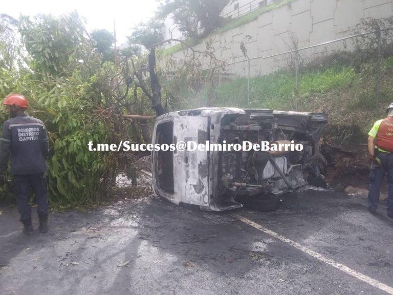 Una niña y su perro fallecieron en accidente en la Autopista Francisco Fajardo