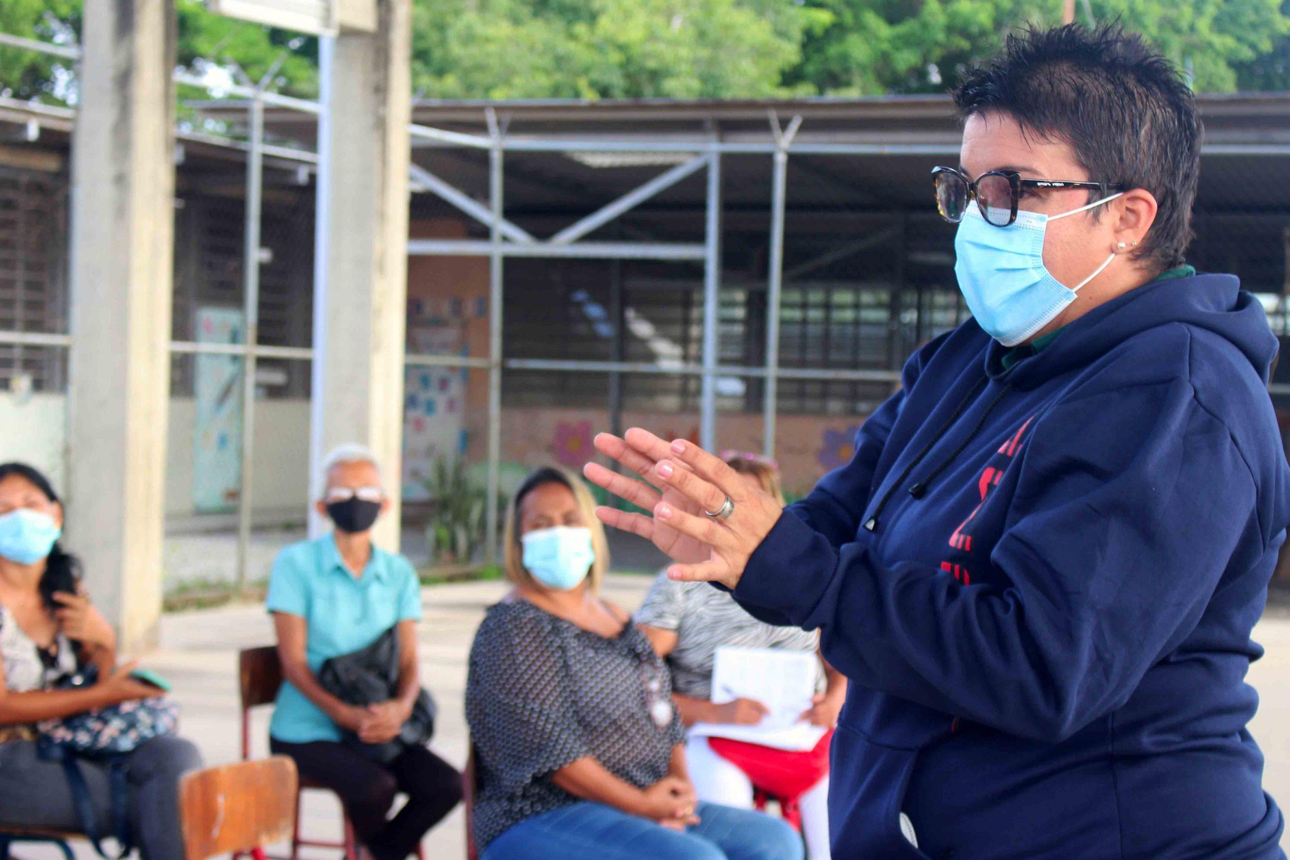 Ana González promueve la participación popular