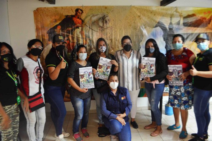 INTI entregó títulos agrarios a mujeres campesinas