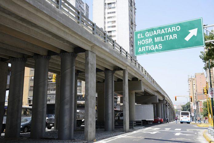 Detenida mujer por robo de vehículos en San Martín, Caracas
