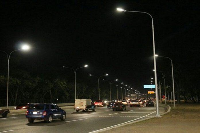 Choque múltiple en la autopista Francisco Fajardo dejó seis heridos