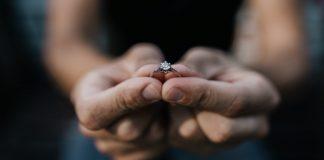 guía de Cabo Verde pide matrimonio a su atleta - guía de Cabo Verde pide matrimonio a su atleta