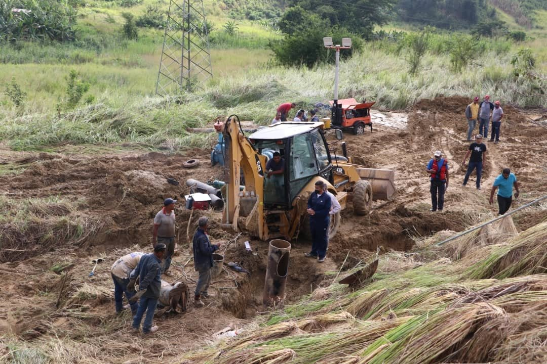 Fuga de agua en Valles del Tuy - Fuga de agua en Valles del Tuy