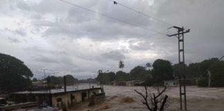 Río Morón se desbordó debido a las fuertes lluvias (+Video)