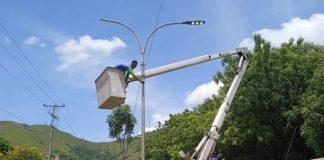 Se adelantaron trabajos de sustitución de luminarias en San Diego