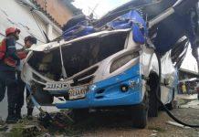 Choque de autobús en El Junquito