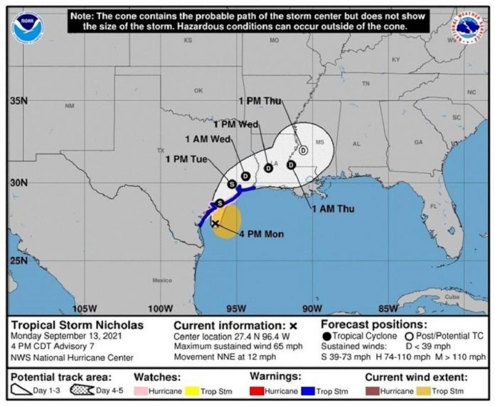 Nicholas impactó el este de Texas y bajó a tormenta tropical