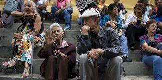 Más de 100 adultos mayores fallecidos - Más de 100 adultos mayores fallecidos