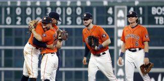 Astros a una victoria de la Serie de Campeonato al batir a Medias Blancas