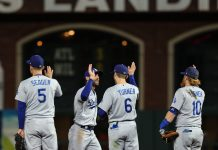 Dodgers derrotaron a Gigantes e igualaron la Serie Divisional