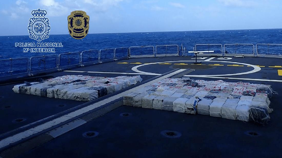 Interceptan un pesquero con 4 toneladas de cocaína - Interceptan un pesquero con 4 toneladas de cocaína