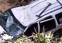 Camioneta cae por un barranco en Charallave