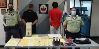 Detenidos dos hombres por comercializar certificados