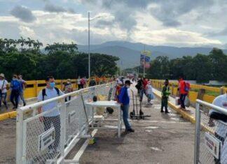 Permiten paso peatonal en el puente Simón Bolívar