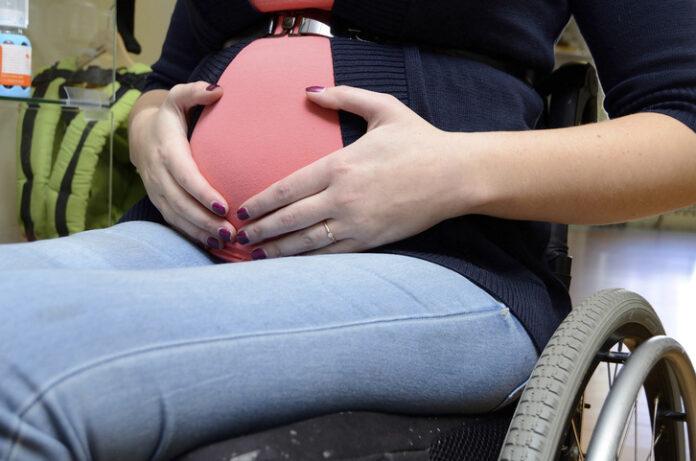 Mujer con discapacidad queda embarazada - Mujer con discapacidad queda embarazada