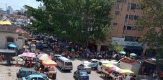 Exigen reubicación de buhoneros en avenida Aranzazu